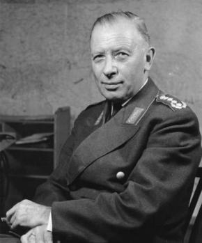 Adolf Heusinger , el general nazi que acabó dirigiendo la OTAN