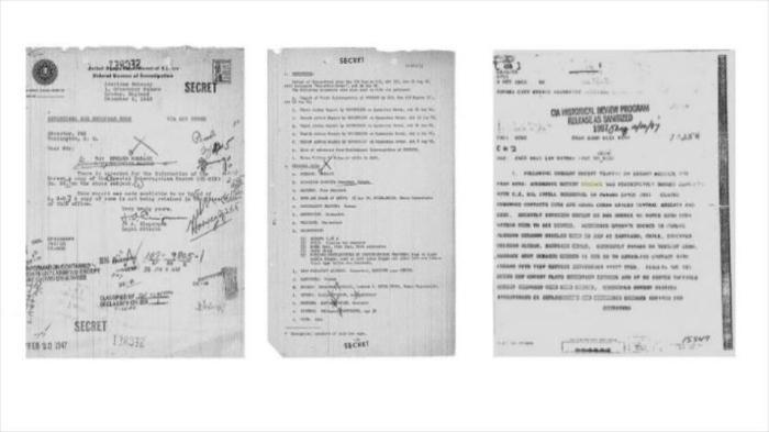 Documentos probatorios. Derecha y centro, dos páginas del informe del FBI, de noviembre de 1946, donde describen las acciones del nazi Erhard Mossack. A la izquierda, fichero de la CIA de 1963, sobre los contactos de Mossack con la inteligencia militar de EEUU.
