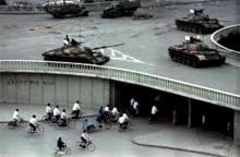 Masacre de Tiananmen, primera revolución de colores
