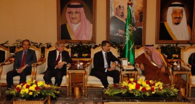 Felipe VI durante el encuentro mantenido con Salman Bin Abdulaziz Al-Saud, Custodio de las Dos Sagradas Mezquitas y Rey de Arabia Saudí