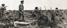 """Julio Popper y mercenarios matando a pobladores Selknam en la Patagonia. Esta foto es meramente ilustrativa de una abominable práctica de aquellos """"dueños"""" de la Patagonia. Práctica que también perpetraron Menéndez y Braun."""